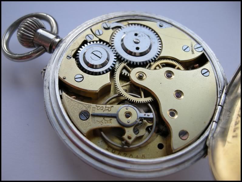Guide richement illustré : les montres de poche courantes DSCN0626-1