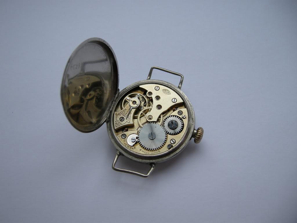 Révision d'une montre de poilu Cortébert DSCN0656