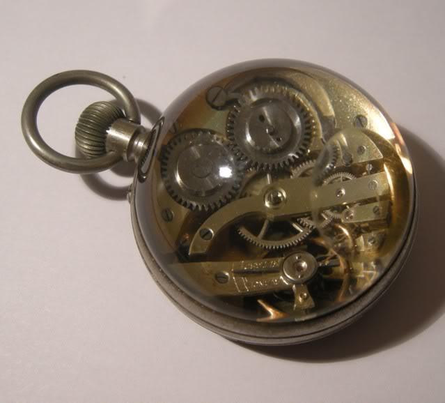Une montre 'boule' trouvée en brocante DSCN4634-1