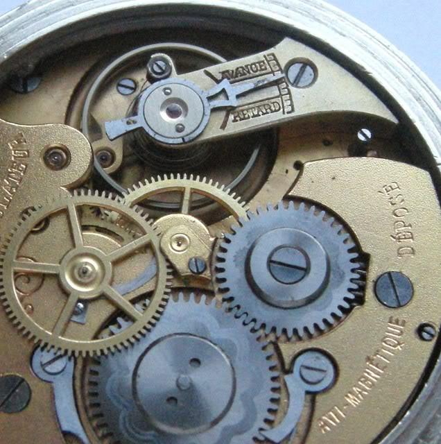 Guide richement illustré : les montres de poche courantes DSCN5579-2
