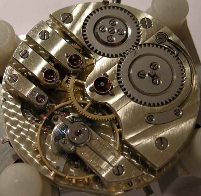 Je suis tombé en extase devant cette montre qui vient de Belgique ...  DSCN6899-2