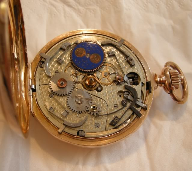 Je suis tombé en extase devant cette montre qui vient de Belgique ...  DSCN7357-1