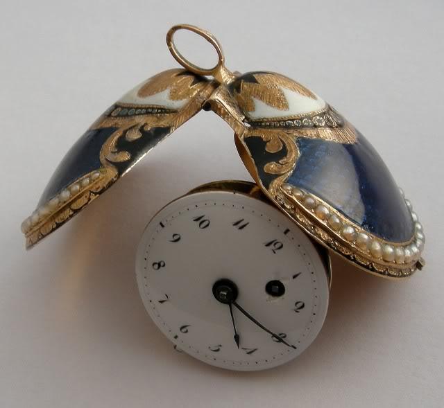 A very nice shell shaped miniature watch DSCN0049-1-5