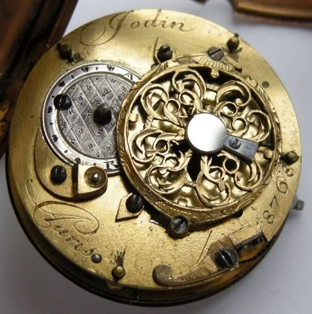 Deux belles montres à verge en or pour le plaisir des yeux DSCN1098-1