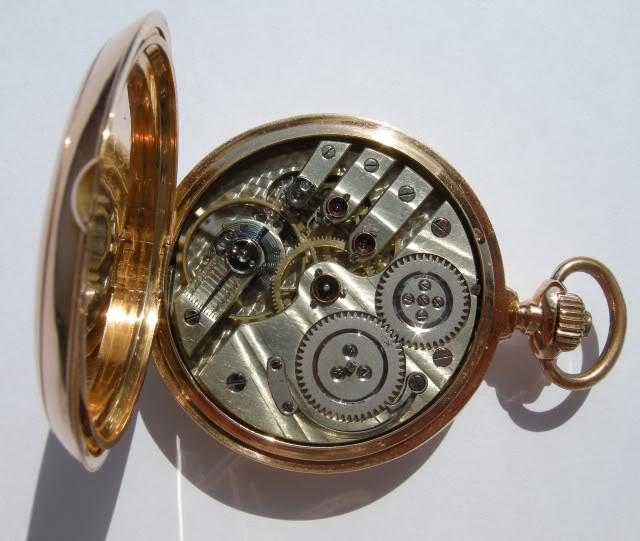 Je suis tombé en extase devant cette montre qui vient de Belgique ...  DSCN9792-1