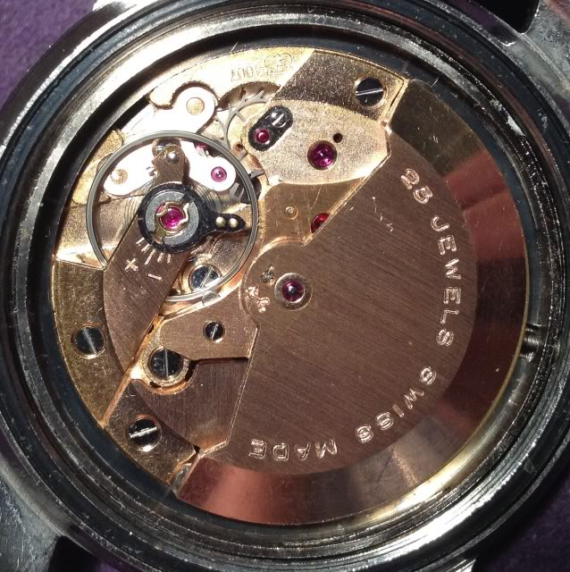 Post consacré aux montres bracelet vintage IMG_1182-1