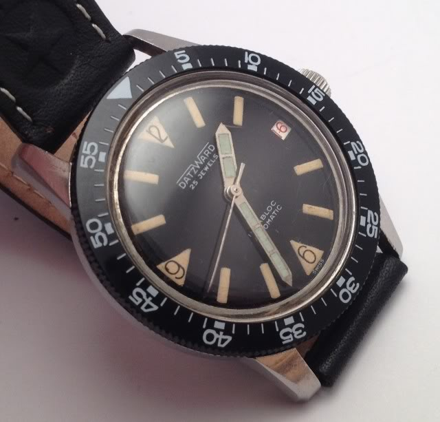 Post consacré aux montres bracelet vintage IMG_1204-1
