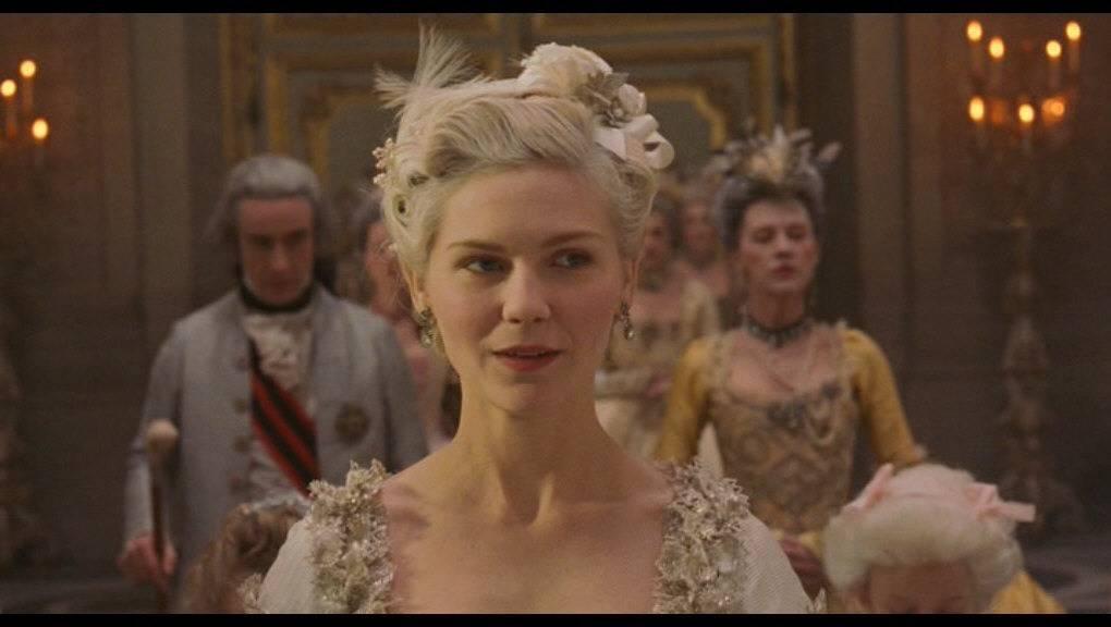 Banquete de Bodas de William Brandon y Frances de Vere Marie-Antoinette--kirsten-dunst-188559_1020_576_zpslzfk89sh