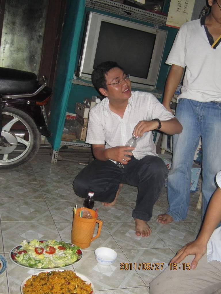 Tiệc chia tay tiệm net của nhà pạn Tiến :D IMG_0299