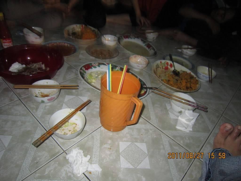 Tiệc chia tay tiệm net của nhà pạn Tiến :D IMG_0319
