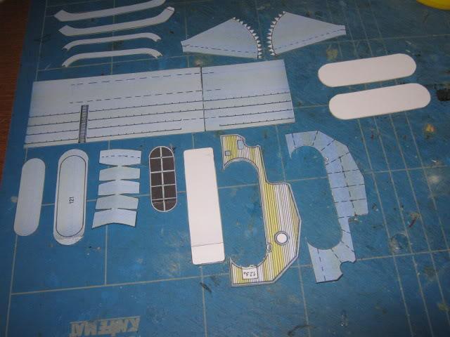 Baustopp!!!Graf Zeppelin von GPM 1:200 - Seite 3 IMG_0143