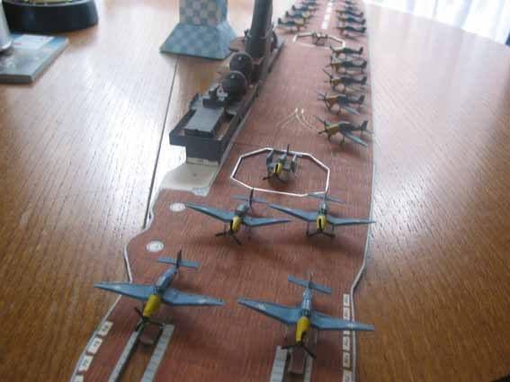 Baustopp!!!Graf Zeppelin von GPM 1:200 - Seite 2 Graf131