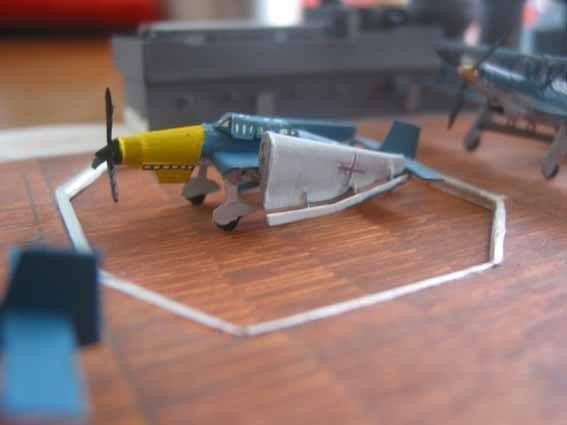 Baustopp!!!Graf Zeppelin von GPM 1:200 - Seite 2 Graf135