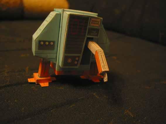 ein kleiner Roboter Robo6