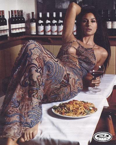 monica bellucci - Page 3 Monica