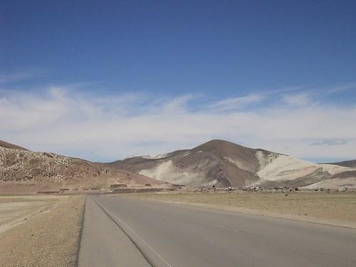 Ruta 40 Norte, algo de Bolivia y Chile - Página 2 DSC01767_zpse5d796fd