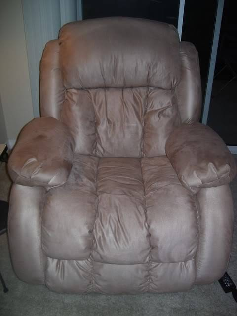 San Diego Ladies...need/want a recliner??? Chair