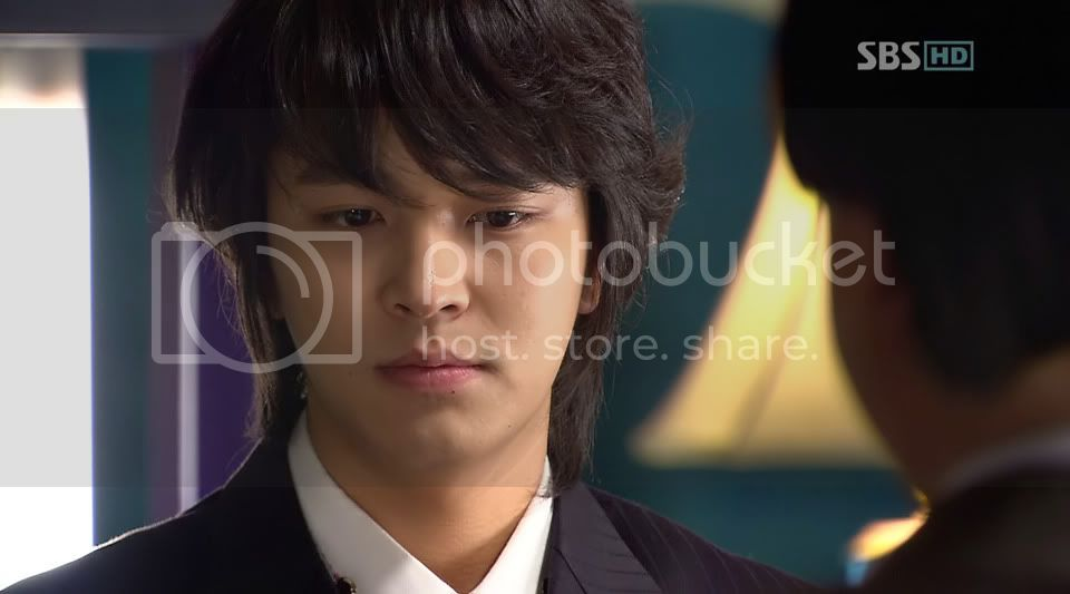 Witch Yoo Hee -->Kim John Hoon Ep7-37