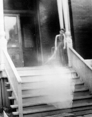 Pictures of ghosts... 09