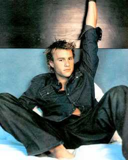 Heath looking his usual gorgeous self... Heath_ledger_02