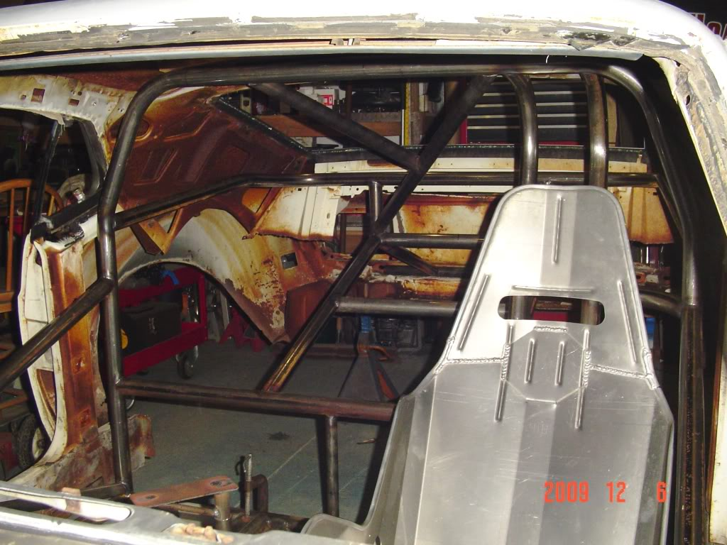 Chuck's 1970 Mustang: The Rebuild... - Page 3 DSC01135