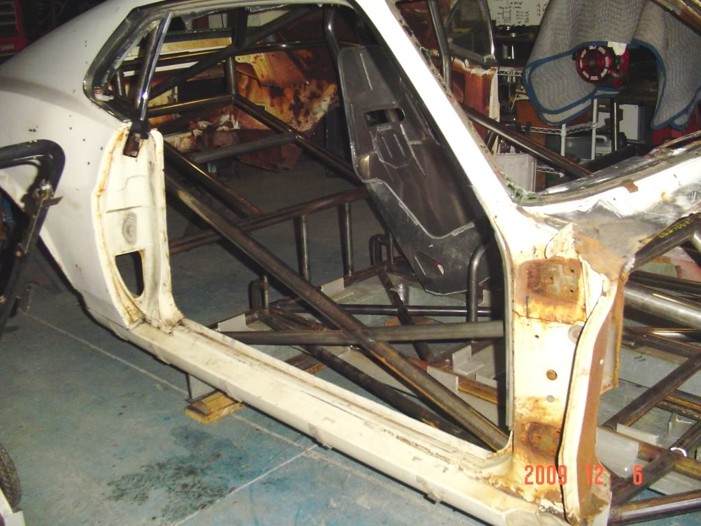Chuck's 1970 Mustang: The Rebuild... - Page 3 DSC01137