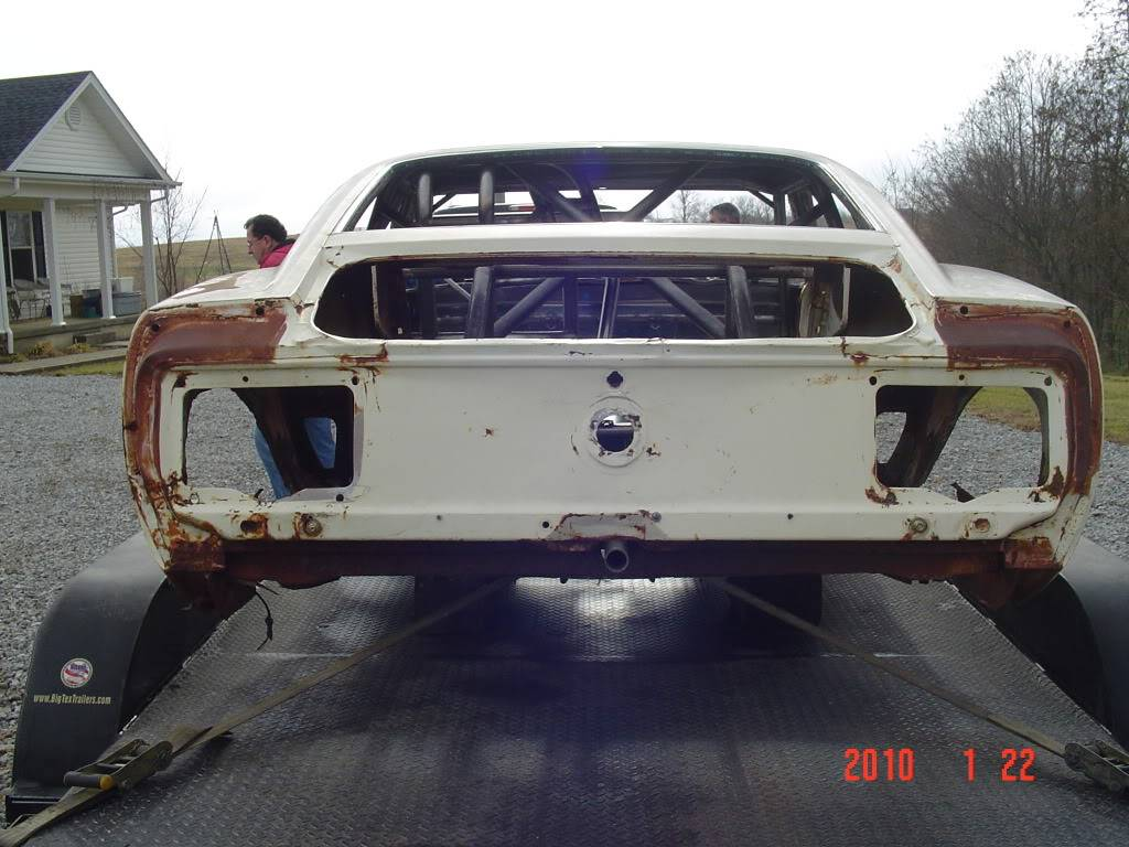 Chuck's 1970 Mustang: The Rebuild... - Page 5 DSC01172