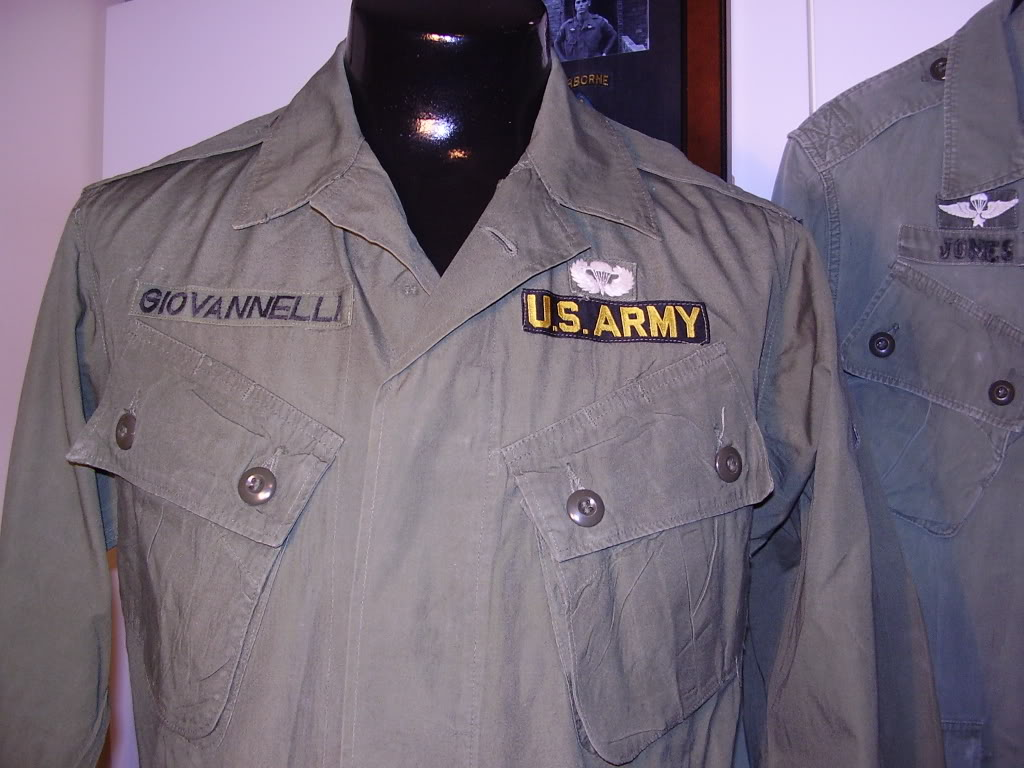 Poplin 1st Type Jungle Jacket of SP4 Ronald J. Giovannelli HHC 5th SFG(A) Uniforms329