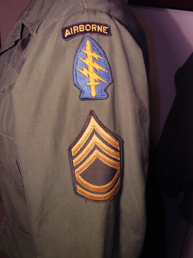 Poplin Jungle Jacket of SFC Humberto (Daniel) V. Chapa MACV-SOG Command and Control North 1968. Uniforms364