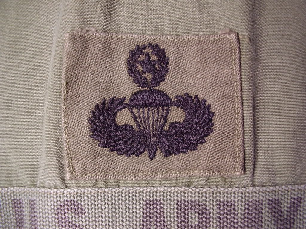 Poplin Jungle Jacket of SFC Humberto (Daniel) V. Chapa MACV-SOG Command and Control North 1968. Uniforms370