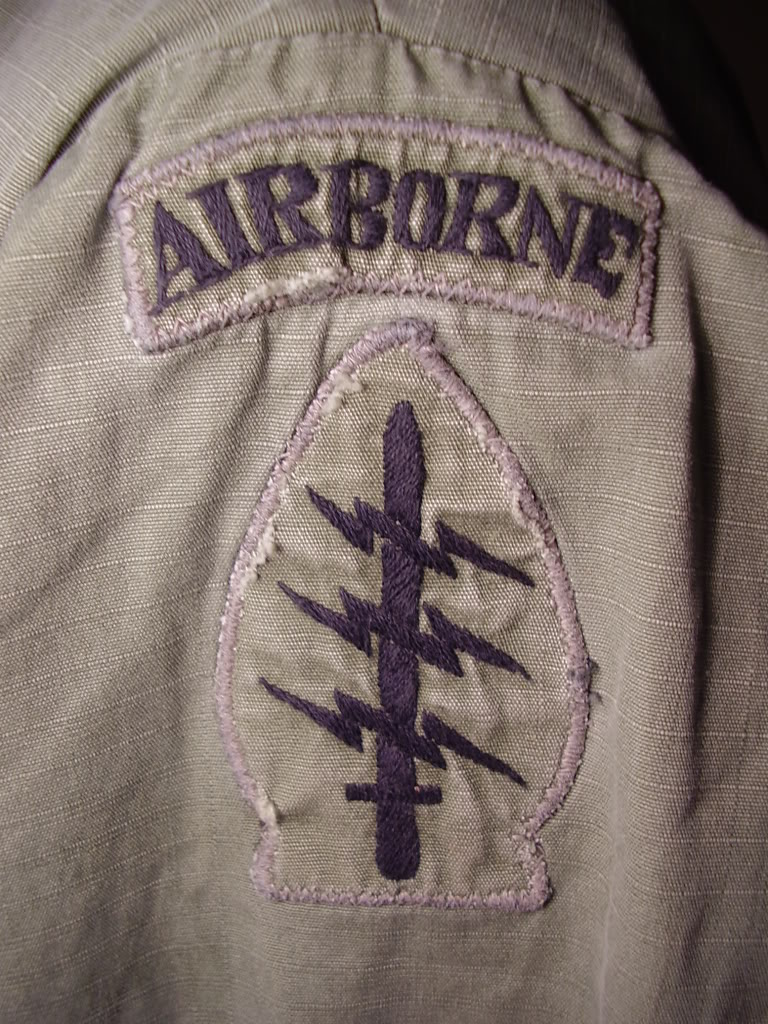 Rip-stop Jungle Jacket of 1st Robert L. Pyner, Assistant S-4 of 46th Special Forces Co. 1969-70. Uniforms379