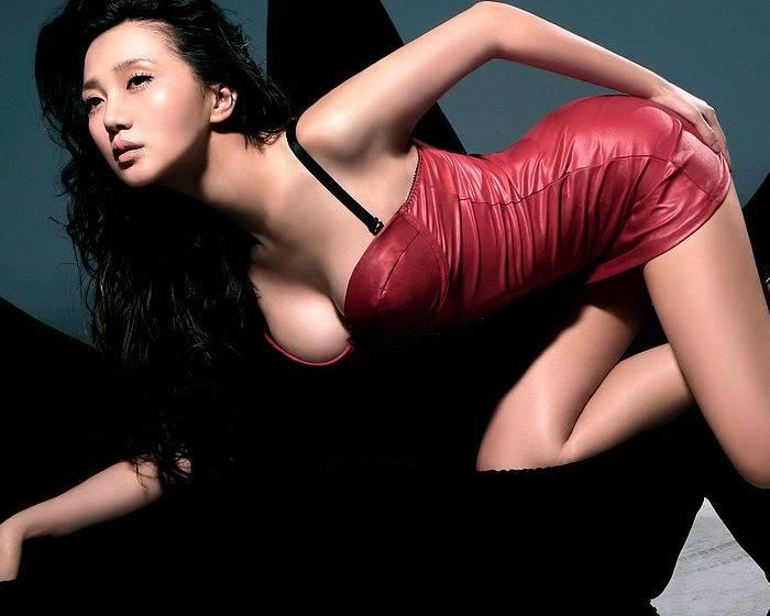 Sexy Bitch Thread Fashion-Magazine-modles-0711_5