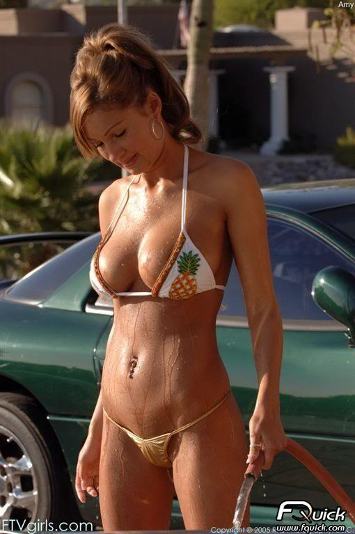 Sexy Bitches with Cars Thread. 487879_399481323442649_1968672406_n