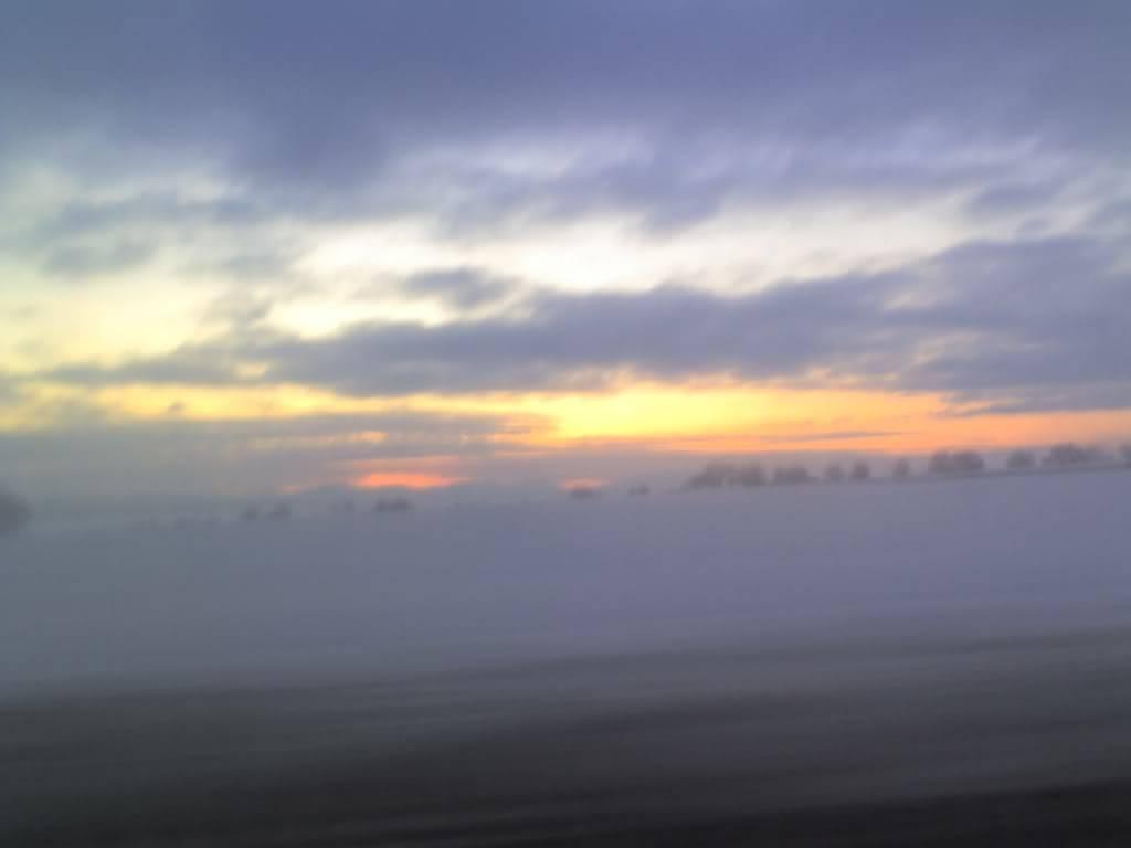 Снежен залез