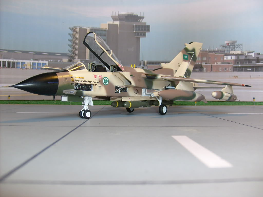 الموسوعه الفوغترافيه لصور القوات الجويه الملكيه السعوديه ( rsaf ) Tornadosaudi001