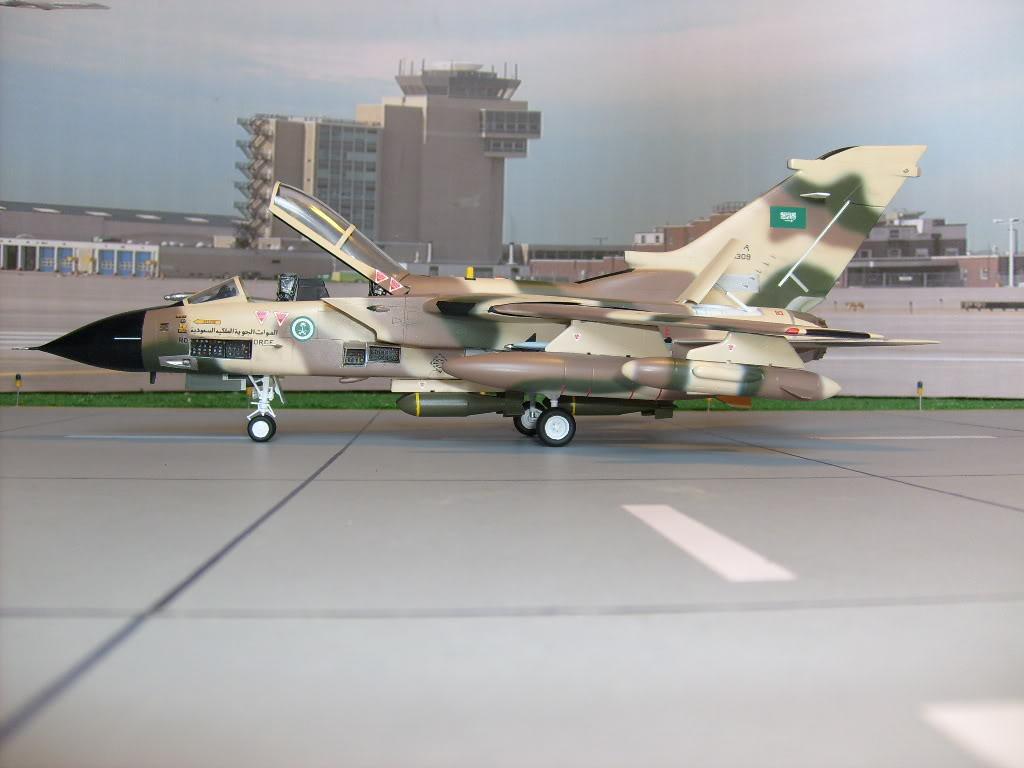 الموسوعه الفوغترافيه لصور القوات الجويه الملكيه السعوديه ( rsaf ) Tornadosaudi004