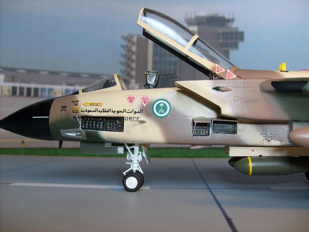 الموسوعه الفوغترافيه لصور القوات الجويه الملكيه السعوديه ( rsaf ) Tornadosaudi006
