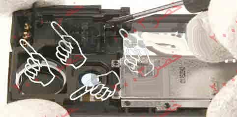 طريقة فك جوال ال n70 لأجراء الصيانه له شرح كامل بالصور التوضيحيه تم تعديل روابط الصور بتاريخ 14/1/2009  28-N70