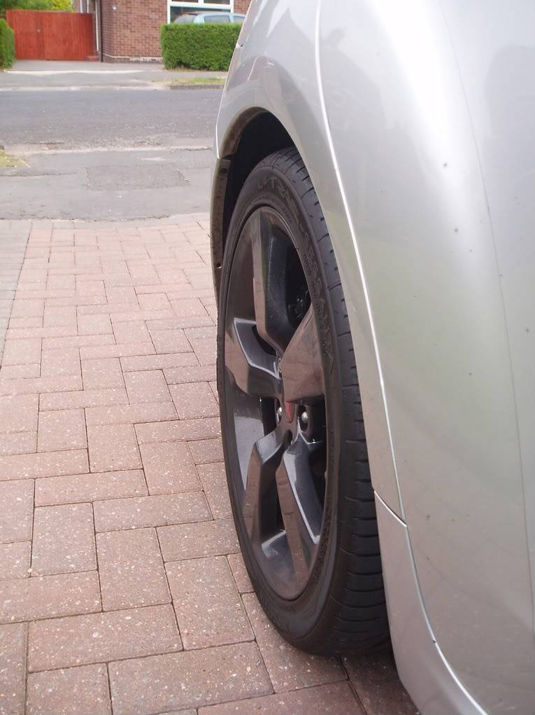 "Feedback wanted on new tyres for 18"" wheels / hatch - Page 2 P5050067"