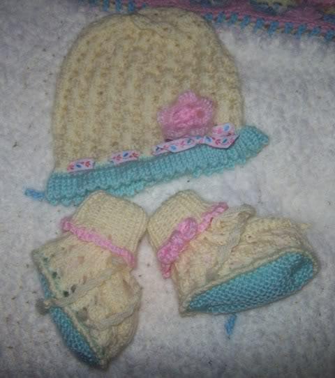 Completino e copertina in lana per neonata 101_2969