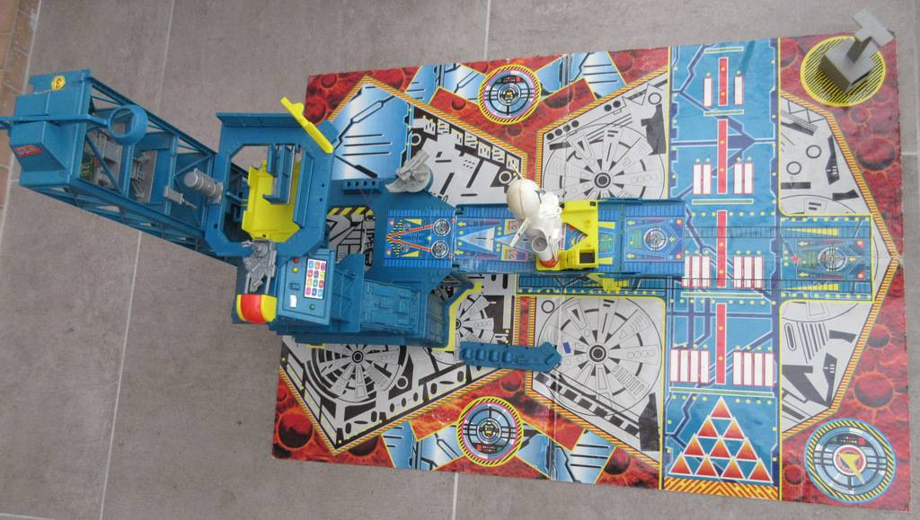 Space Patrol Command Center de Hot Wheels / Mattel 1994 IMG_6426_zpsod23fciq