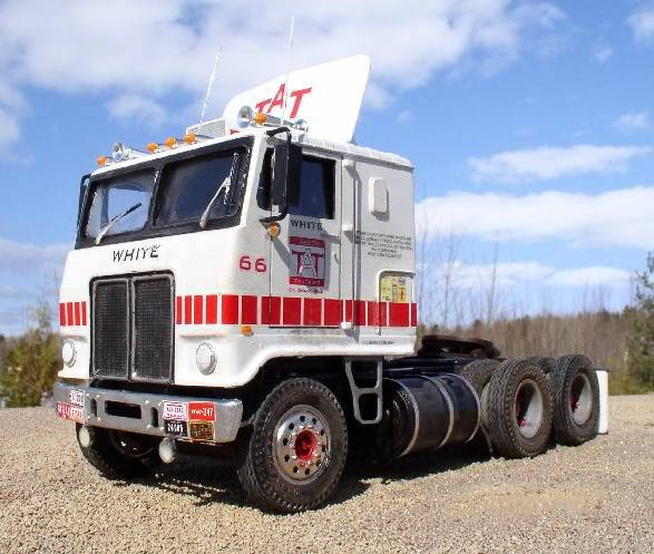 White Road Boss - AMT 1/25 - Concluído. 1975WhiteRoadCommanderCOE