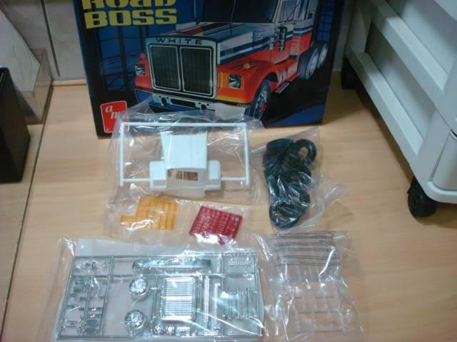 White Road Boss - AMT 1/25 - Concluído. 005