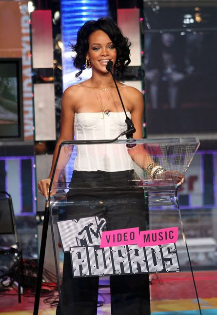 Rihanna Rihanna-mv03