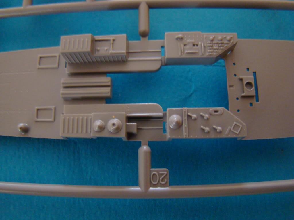 TBD-1 DEVASTATOR de chez Great Wall Hobby DSC03679