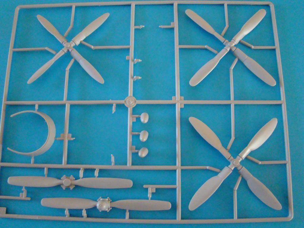 Hélices de P-47 Razorback. DSC05341_zps3ac08cb9