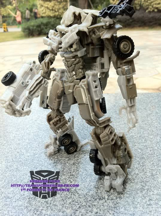 Jouets Transformers 3 - Partie 1 164758_174127575951851_100000638308427_444122_1774990_n
