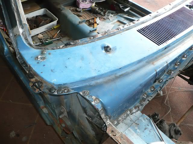 The John Holmes CL Valiant Pornovan Project - Page 2 Picture032-2