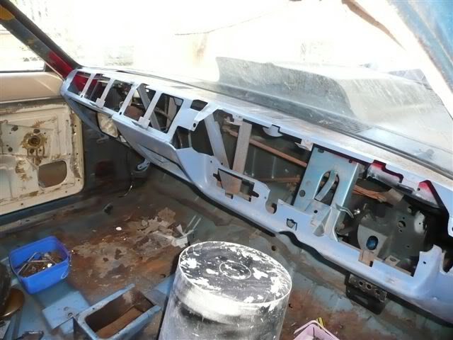 The John Holmes CL Valiant Pornovan Project - Page 2 Picture060