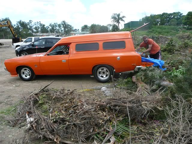 'Mr Juicy' the high-roofed Charger ..err Panelvan! Picture100